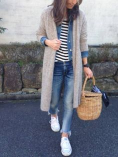 Lovely Fall Outfits Ideas To Wear With Converse 2019 35 - There are some people who like to make fashion statements with products that are shocking, bright and in your face. Tokyo Fashion, New York Fashion, Daily Fashion, Runway Fashion, Womens Fashion, Fashion Trends, Mode Outfits, Fall Outfits, Casual Outfits