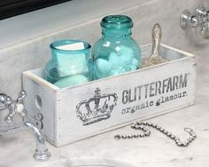 Image of Handmade Glitterfarm Crates - Slim Wood Crates, Wood Boxes, Chalk Paint Projects, Diy Projects, Furniture Makeover, Diy Furniture, Farm House Colors, Shabby Chic Crafts, Vintage Decor