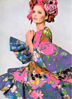 Vogue 1968 by David Bailey, flower power!