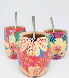 Painted Flower Pots, Arts And Crafts, Diy Crafts, Home Art, Cactus, Ceramics, Floral, Creative, Flowers