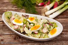 SALATA DE CARTOFI NOI CU MAIONEZA SI HREAN | Diva in bucatarie Cobb Salad, Festive, Salads