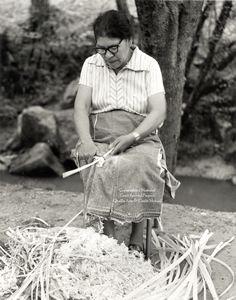 Emma Taylor :  it takes a week to prepare enough splits for eight basket. White Oak Basket maker