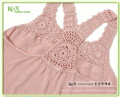 Notte Rosa filet crochet top pThis Pin was discovered by Diaimages attach c 5 85 for a racerbackracer back tank Crochet Yoke, Crochet Fabric, Crochet Girls, Crochet Blouse, Crochet Trim, Filet Crochet, Crochet For Kids, Hand Crochet, Baby Knitting Patterns