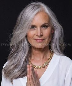 Stunning long gray hairstyles ideas for women over 50 37