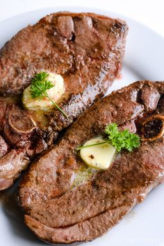 Rib Eye Venison Steaks With Garlic Recipes Squared. Venison Steaks With Brown Gravy NevadaFoodies - Wild . Home and Family Deer Steak Recipes, Cube Steak Recipes, Deer Recipes, Venison Recipes, Game Recipes, Venison Meals, Cooking Venison, Cuban Recipes, Deer