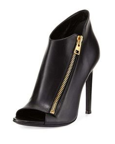 X2QKM TOM FORD Calf Leather Side-Zip Bootie, Black