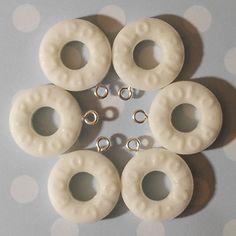 6 Glitter White Polo Charms