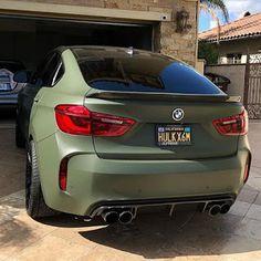 BMW matte green I love it Bmw X6, Suv Bmw, Bmw Cars, Rolls Royce Motor Cars, Fiat Sport, Electric Sports Car, Eco Friendly Cars, Car Goals, Car Colors