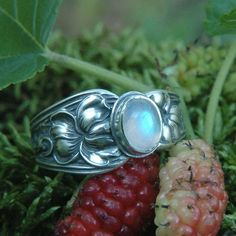 Moon stone spoon ring