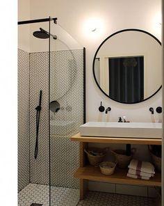Elena, Bordeaux - Inside Closet - Ikea DIY - The best IKEA hacks all in one place Toilet Storage, Small Bathroom Storage, Bathroom Design Small, Bathroom Designs, Ikea Bathroom, White Bathroom, Modern Bathroom, Bathroom Showers, Bathroom Closet
