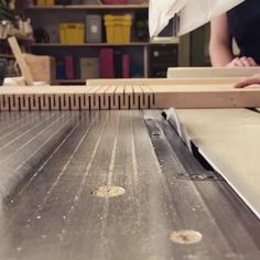 Beginner Woodworking Projects, Woodworking Techniques, Woodworking Tips, Woodworking Magazine, Unique Woodworking, Popular Woodworking, Woodworking Ideas Table, Woodworking Supplies, Woodworking Workbench