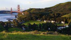 Cavallo Point à San Francisco, est l'un des plus beaux hôtels du monde. Non pas par sa démesure ou son opulence, mais parce qu'il offre une expérience authentique de San Francisco, au cœur de la nature, et à quelques minutes du buzz de la ville. Situé aux pieds du Golden Gate Bridge, Cavallo Point est une réserve de verdure entre montagne et Océan Pacifique qui offre une alternative attractive pour tout voyageur à San Francisco.