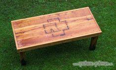 Rustic Style - Rustikaler Eichen Altholztisch mit Rammstein Logo - ohne metallische Verbindungen nur mit klassischen Holznägel verbunden