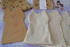Fabric Toys, Fabric Scraps, Cat Crafts, Diy And Crafts, Plush Pattern, Cat Doll, Primitive Folk Art, Sewing Toys, Diy Mask