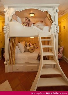 I also like this one for the girls room. Maybe i could use something from this design. Princess Bunk Bed for Young Adult : DIY Princess Bunk Beds – House Design Dream Rooms, Dream Bedroom, Girls Bedroom, Bedroom Decor, Bedroom Ideas, Bedroom Furniture, Furniture Design, Royal Bedroom, Kids Furniture