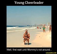 Young Cheerleader... verificar que la mamá, no esté cerca