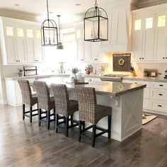 Perfect Farmhouse Kitchen Decor Ideas 2018 - Savvy Ways About Things Can Teach Us You obtain your kitchen floor inspiration, we will deal with the rest. Kitchens are the center of a home. If you've been contemplating bringing a mode. Modern Farmhouse Kitchens, Farmhouse Kitchen Decor, Kitchen Redo, New Kitchen, Vintage Kitchen, Home Kitchens, Kitchen Ideas, Awesome Kitchen, Kitchen Cabinets