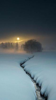 Winter - It's a beautiful world . - Winter - It's a beautiful world . Winter Szenen, Winter Magic, Winter Light, Deep Winter, Beautiful World, Beautiful Places, Beautiful Pictures, Wallpaper Winter, Winter Wallpapers