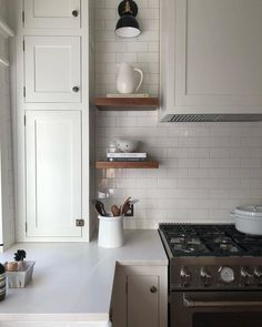 Kitchen models: 60 ideas for all styles - Home Fashion Trend One Wall Kitchen, Kitchen Stove, Kitchen Corner, Home Decor Kitchen, Kitchen Furniture, New Kitchen, Design Kitchen, Shiplap In Kitchen, Very Small Kitchen Design