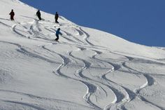Fantastisch ski gebied voor de familie, voor beginners en gevorderden. Lake Tahoe, Mount Everest, Skiing, Villa, Waves, Vacation, Mountains, World, Outdoor