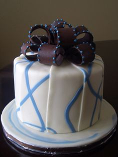 White And Dark Chocolate With Blue Vines White almond cake with apricot filling/ gingered buttercream. Covered in white modeling chocolate. White Almond Cakes, Chocolate Toppers, White Almonds, Modeling Chocolate, Cake Cover, Fancy Cakes, Cake Creations, Chocolate Covered, Cake Ideas