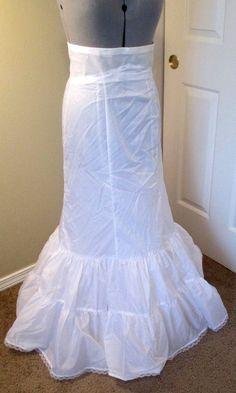 David's Bridal Petticoat Slip Mermaid Skirt Fit Flare Women's 12 White #Petticoat Bollywood Style, Bollywood Fashion, Mermaid Skirt, Davids Bridal, Flare, Sewing Patterns, Halloween, Wedding Dresses, Fitness