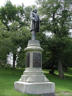 Statue of Frederick Douglass in Rochester, NY. http://people.rit.edu/kecncp/Courses/Materials/FD/FD-Rochester/FD24.jpg