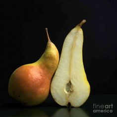 Pears by Bernard Jaubert - Obst - Fruit Vegetables Photography, Fruit Photography, Still Life Photography, Fine Art Photography, Image Fruit, Fruits Photos, Image Nature, Still Life Images, In Natura