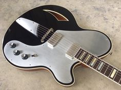MotorAve Guitars | BlackTop finish, Block inlays, Aluminum pick guard, StringThru tailpiece.