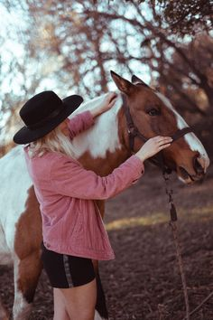 Rodeo Girls, Creative Pictures, Cowboy Hats, Horses, Instagram, Cowgirls, Ideas Para, Photo Ideas, Outfit