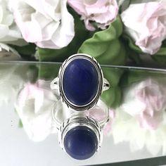 Superb Sterling Lapis Lazuli Ring 925 Silver Vintage Ring Oval stone ring blue stone sterling ring decorated lapis lazuli ring. by TheOldJunkTrunk