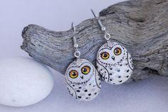 Earring+handpainted+snowy+owl+by+Uniquestoneart+on+Etsy,+$45.00