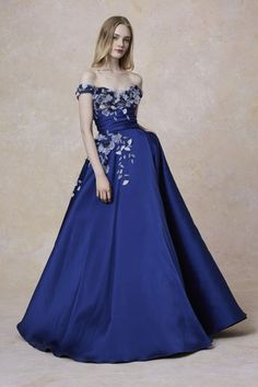 Marchesa is a brand specializing in high end womenswear, established in 2004 by Georgina Chapman and Keren Craig. Women's Runway Fashion, Couture Fashion, Fashion Show, Marchesa Fashion, Fashion Brands, Georgina Chapman, Formal Gowns, Strapless Dress Formal, Cocktail Outfit