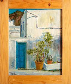 Casa con puerta y dos macetas