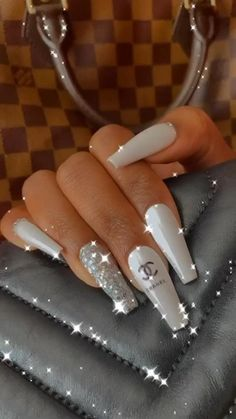 Bling Acrylic Nails, Acrylic Nails Coffin Short, White Acrylic Nails, Summer Acrylic Nails, Pink Nails, Coffin Nails, Summer Nails, Gold Nails, Stiletto Nails
