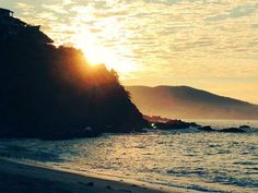 Buenos días #IxtapaZihuatanejo desde #arcano #amanecer #VisitIZ http://ift.tt/1m3yoTN