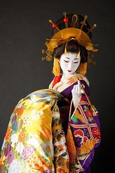 A woman dressed as an oiran.