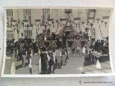 Fotografía antigua: PROTECTORADO : EL GENERAL VARELA CON DAMAS , MILITARES, ETC, EN UN ACTO CON NIÑOS . TETUAN , 1949 - Foto 1 - 56543437