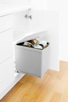 Merveilleux Automatic Bin   Integrated Bin   Kitchen Cupboard