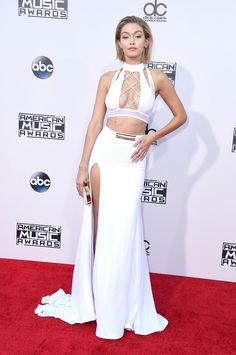 Gigi Hadid goes super short (but not permanently) for the #AMAs http://thecut.io/1Xk2p3v