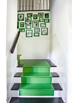 Love this idea! Can't decide on a runner? Then paint one! This kelly green pops in a wonderful way!