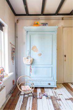 Vintage kid's room, the blue armoire is amazing.  #estella #kids #decor