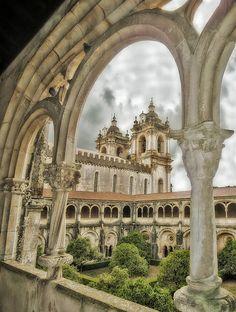 Portugal. Cloister at Alcobaça  //  Daniel Schwabe #portugal #travelphotography #europe #alcobaca