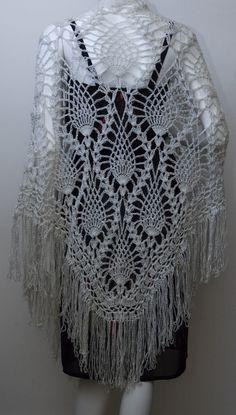 Vintage Silver Pineapple Crochet Shawl c.1970's