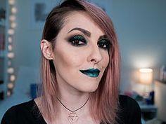Karen Bachini Batom azul