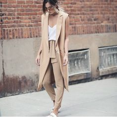Street style looks street style, danielle bernstein, beige outfit, neutral Style Outfits, Mode Outfits, Summer Outfits, Fashion Outfits, Fashion Trends, Beach Outfits, Warm Outfits, Fashion Ideas, Casual Outfits