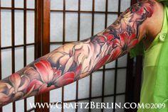 Lilies sleeve