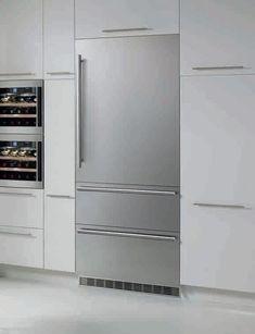 Liebherr HCB1560 30 Inch Fully-Integrated Bottom-Freezer Refrigerator with 14.1…