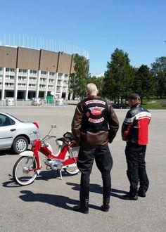 #Vespa #vesparidersfinland #helsinki #ScooterDay2015 #Finland #Pappatunturi