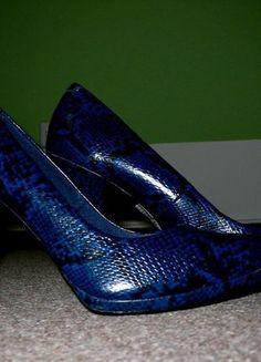 Kupuj mé předměty na #vinted http://www.vinted.cz/zeny/lodicky/3596859-cerno-modre-lodicky-se-vzorem-hadi-kuze